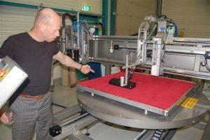 Testen van vloeren en stoffen met de QMC-007