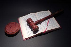 rechtbank glazenwasser veroordeeld