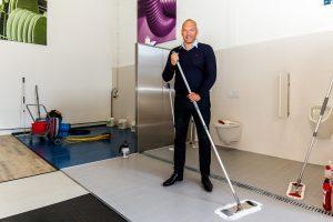 """""""Investeren in middelen en materiaal levert winst op voor personeel en kwaliteit"""" Crohill Pim Hilgerdenaar Smart Cleaning"""