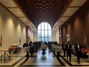 Sfeervolle ambiance in het Louwman museum