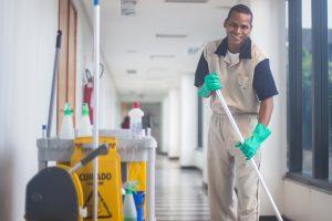 schoonmaak cruciale beroepen Aantal faillissementen schoonmaak laagste sinds 2015