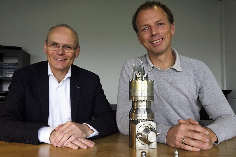 """Buhrmann: """"klanten verdienen geld door goede hoge druk machine"""" Waterkracht"""