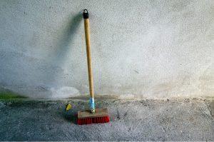 Tegenvallende jaarcijfers schoonmaak: bezem uit de kast?