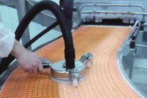 Innovi introduceert stoomreiniger voor schakelbanden