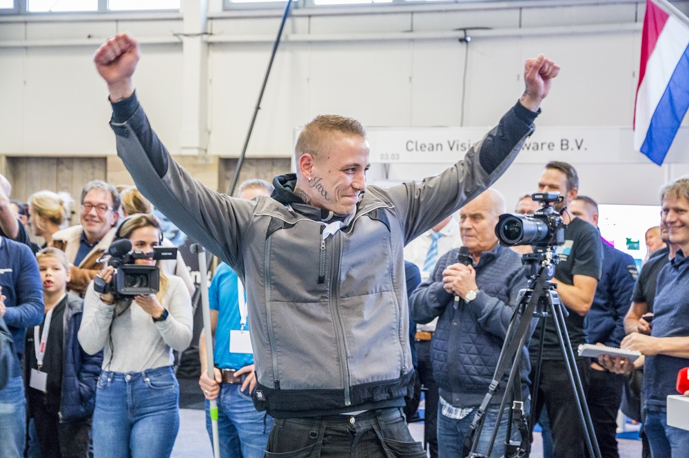 Marco Yasar winnaar NK SnelGlazenwassen