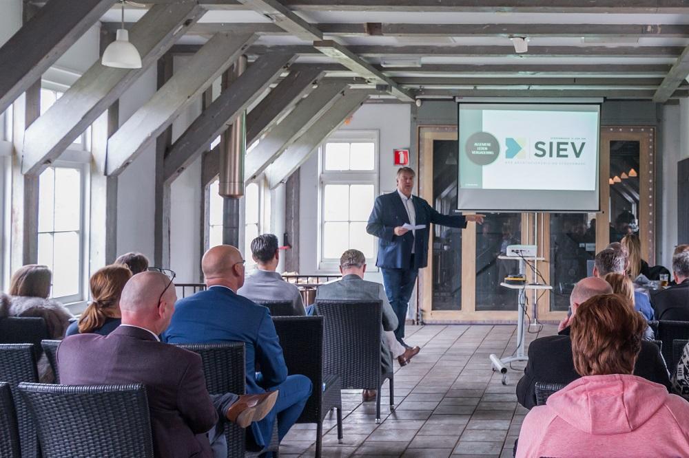 SIEV voorzitter: SVS, een opleider afgeleid? Maurice Rutgrink treeft per 1 juli 2020 in dienst als bedrijfsleider bij P4S Bedrijfsdiensten B.V. Met de komst van Rutgrink stelt P4S klaar te zijn voor de toekomst.