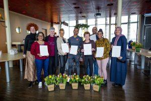 Annabel Amers (Gom) neemt 70.000ste basisvakdiploma schoonmaak in ontvangst
