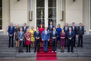 Kabinet verlengt coronasteun banen en economie tot en met 2021