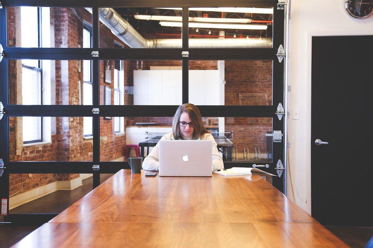 Zelfstandige inhuren of contract opstellen? Webmodule biedt uitkomst