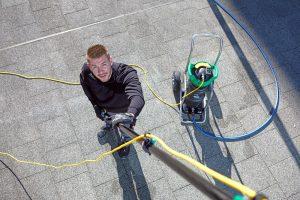 Regelgeving telescopische glasbewassing op de schop voor cao-medewerkers