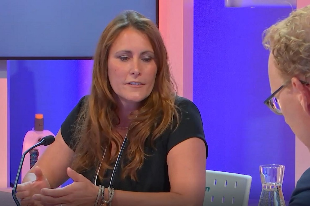 Zien: Chantal van Amerongen (Raggers) in Captains of Cleaning