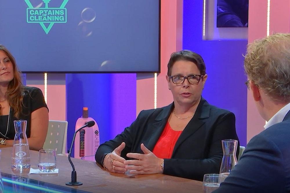 Zien: Ellen Dekkers (RAS) in Captains of Cleaning