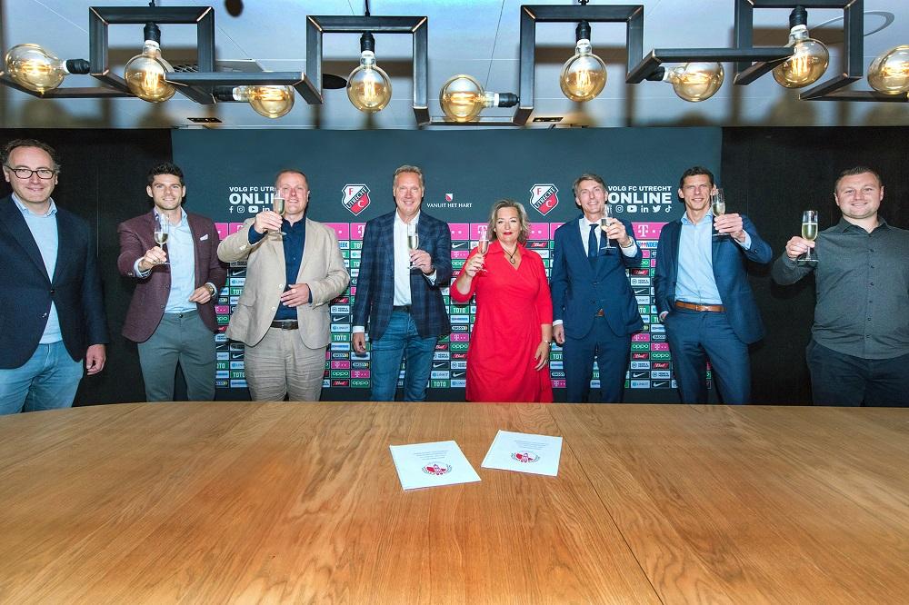 FC Utrecht sluit overeenkomst met Utrechts Schoonmaak Collectief